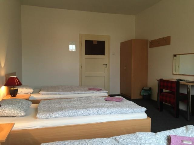 Další třílůžkový pokoj